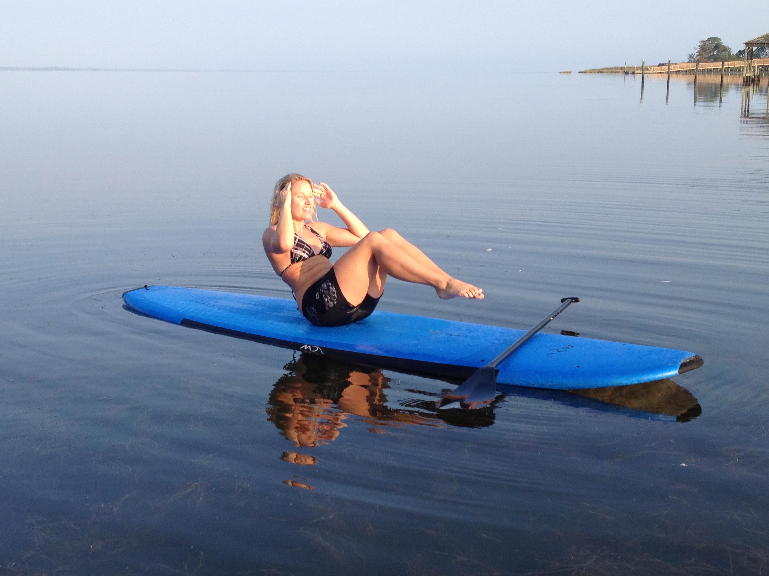 surfpics/chelpaddleboard4.JPG
